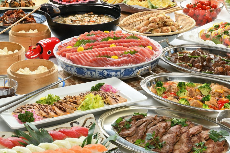 There are 50 different kinds of buffet meals including French food