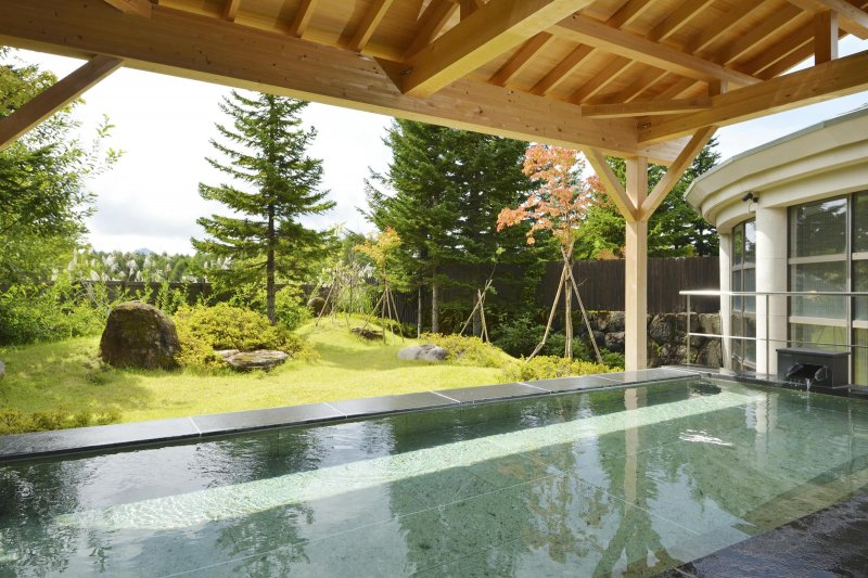 Enjoying the moment while taking natural hot spring surrounded by deep nature of Urabandai