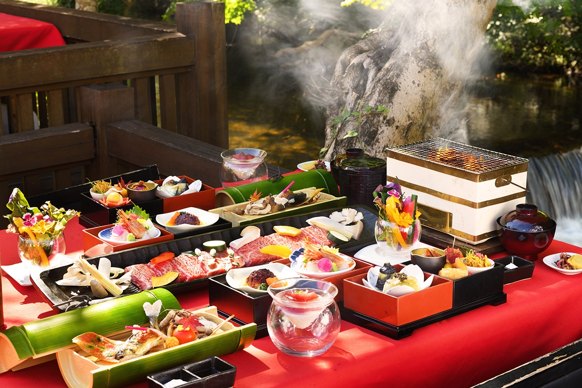 Enjoy the delicacies of Aizu with Kawadoko cuisine.