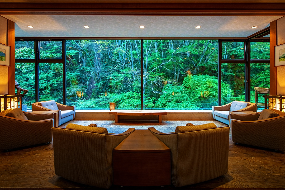A space with a slice of nature reminiscent of a painting